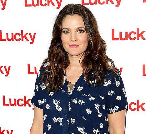 "Drew Barrymore Joins Twitter: ""Late to the Party But Happy to Be Here!"""