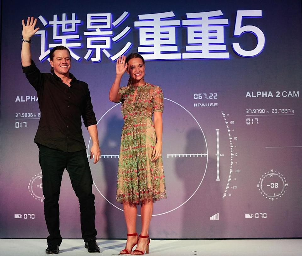 """<p>While everyone was talking about Matt Damon's magical man bun at the Beijing press conference for """"Jason Bourne,"""" our eyes were on Alicia Vikander's stunning multicoloured, sequined frock. Gorgeous. <i>(Photo by Andrew Wang/VCG via Getty Images)</i></p>"""