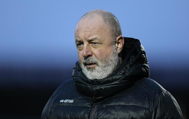 Rochdale manager Keith Hill has called on disgruntled fans to call the club's chairman and demand his sacking