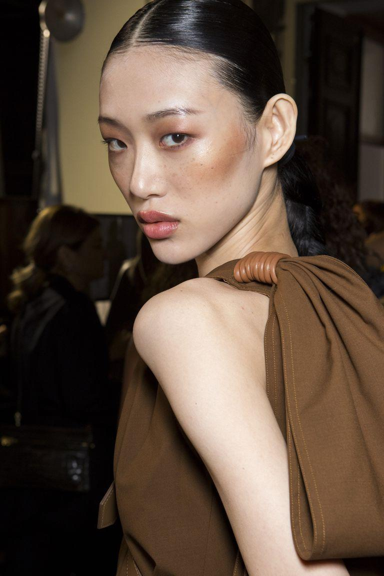 <p>A harsh contour can look purposeful and cool, as evidenced by Max Mara.</p>