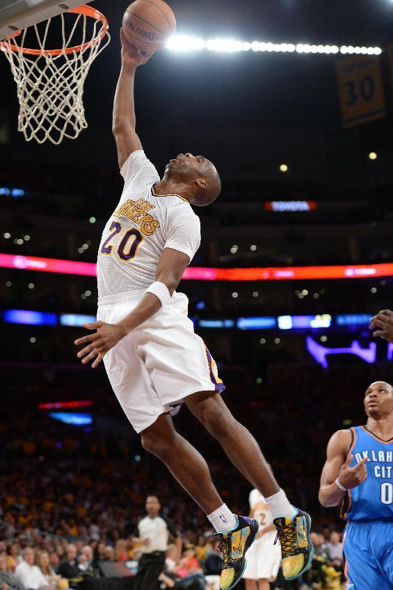 Meeks powers Lakers past Durant, Thunder 114-110