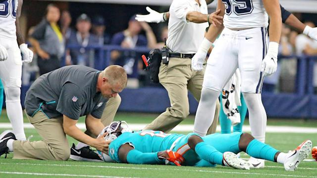 Dolphins quarterback Rosen doesn't feel good about Hurns' injury