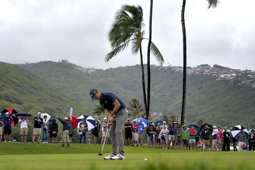 Another tournament in Hawaii, a fresh start for most players