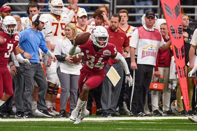 Washington State safety Jalen Thompson celebrates an interception during the Alamo Bowl against Iowa State in 2018. (Getty Images)