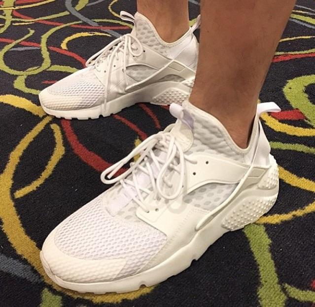 691c0696783a Here s an On-Foot Look at Nike s Latest All-White Huarache (UPDATE)
