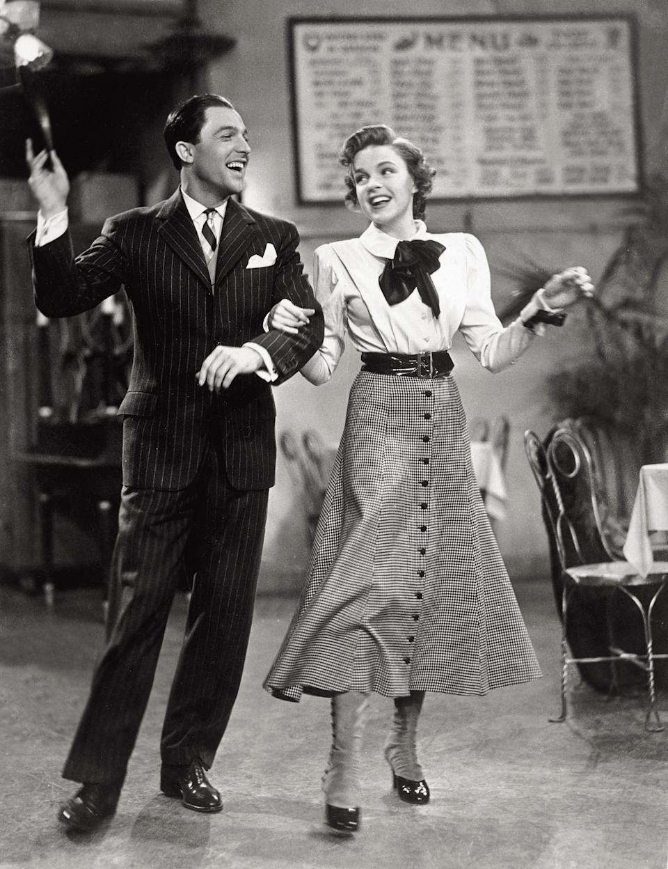 """The American actor and dancer Gene Kelly dances with Garland in the 1942 film """"For Me and My Gal."""""""