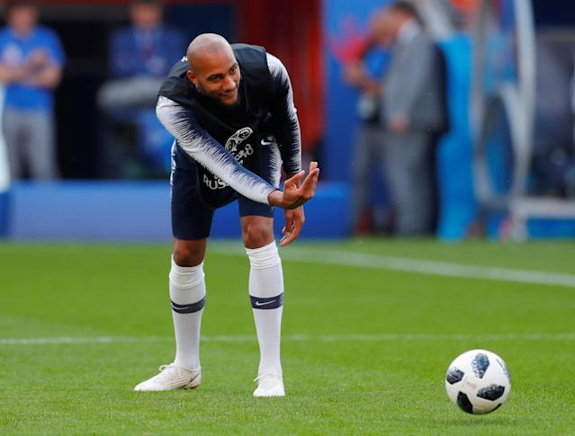 Soccer Football - World Cup - France Training - Ekaterinburg Arena, Yekaterinburg, Russia - June 20, 2018 France's Steven Nzonzi during training REUTERS/Andrew Couldridge