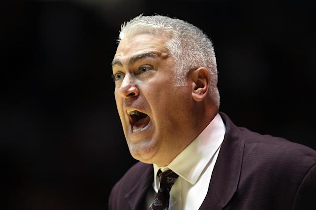 ALBUQUERQUE, NM - MARCH 15: Head Coach Wayne Tinkle of the Montana Grizzlies communicates with the team during the first half of the game against the Wisconsin Badgers during the second round of the 2012 NCAA Men's Basketball Tournament at The Pit on March 15, 2012 in Albuquerque, New Mexico. (Photo by Christian Petersen/Getty Images)