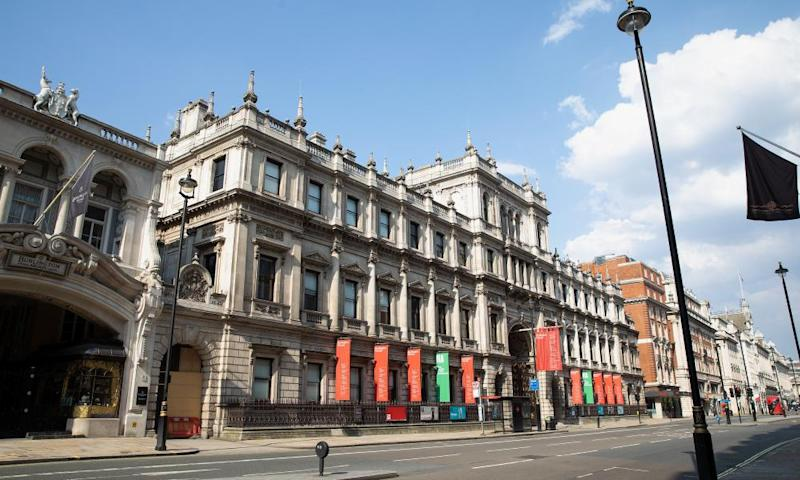 Exterior of he Royal Academy of Art in Piccadilly.