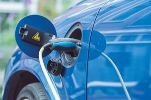 TomTom Leads Automotive Charge Towards Electric Future with Enhanced EV Technology Suite