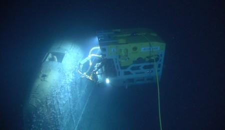 """Remotely operated vehicle called Aegir 6000 examines the wreck of the Soviet nuclear submarine """"Komsomolets"""", southwest of Bear Island"""