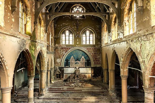 <p>Church in the U.K. (Photo: James Kerwin/Caters News) </p>