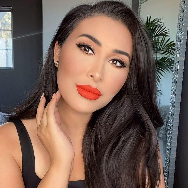 "<p>As a beauty educator, Tamanna Roashan has all the best <a href=""https://www.cosmopolitan.com/style-beauty/beauty/how-to/a6265/makeup-tricks-every-woman-should-know/"" rel=""nofollow noopener"" target=""_blank"" data-ylk=""slk:makeup tips"" class=""link rapid-noclick-resp"">makeup tips</a> for taking your look from just fine to <em>ahhh-mazing</em>. But if you could use more than just a few tips and tweaks to your current routine, get a monthly membership to <a href=""https://dressyourfacelive.com/"" rel=""nofollow noopener"" target=""_blank"" data-ylk=""slk:Dress Your Face Live"" class=""link rapid-noclick-resp"">Dress Your Face Live</a> for Tamanna's <strong>in-depth online makeup classes</strong>.</p><p><a href=""https://www.instagram.com/p/CDCYAaysdm9/?utm_source=ig_embed&utm_campaign=loading"" rel=""nofollow noopener"" target=""_blank"" data-ylk=""slk:See the original post on Instagram"" class=""link rapid-noclick-resp"">See the original post on Instagram</a></p>"