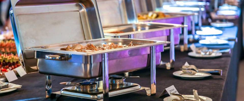 Chafing dish with food