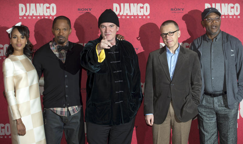 """US actress Kerry Washington, from left, US actor Jamie Foxx, US movie director Quentin Tarantino, Austrian born actor Christoph Waltz and US actor Samuel L. Jackson pose during a photo call ahead of tonight's premiere of the movie """"Django Unchained"""" in Berlin, Germany, Tuesday, Jan. 8, 2013. (AP Photo/dapd, Clemens Bilan)"""