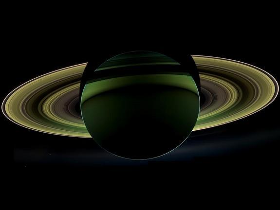 Backlit Saturn Shines in Stunning New Photo