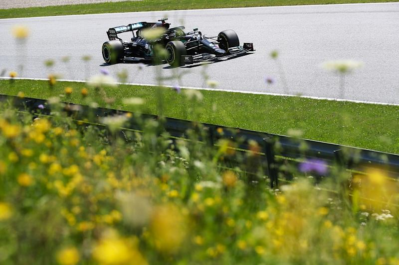 Hamilton tops FP3 to complete practice clean sweep