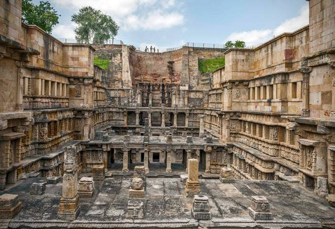 This little-heard-of engineering marvel situated in Patan, Gujarat, was built in the 11th century AD by Rani Udaymati. Meant to worship the holy river Saraswati on whose banks it lies, Rani ki Vav deserves praise for its intricate architecture – it is a stepwell that runs downwards up to seven stories carved with over 500 sculptures of nymphs, humans, kinds and gods. The central theme however is the ten incarnations of Lord Vishnu. It is basically meant to look like an inverted temple to worship the sanctity of water.