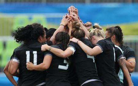 2016 Rio Olympics - Rugby - Women's Semifinals Britain v New Zealand - Deodoro Stadium - Rio de Janeiro, Brazil - 08/08/2016. Team New Zealand celebrate after their match. REUTERS/Alessandro Bianchi