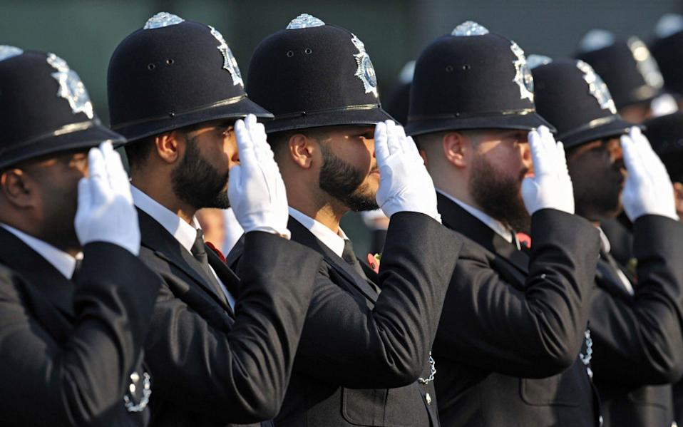 Teenagers will be allowed apply to join the police when they are 17