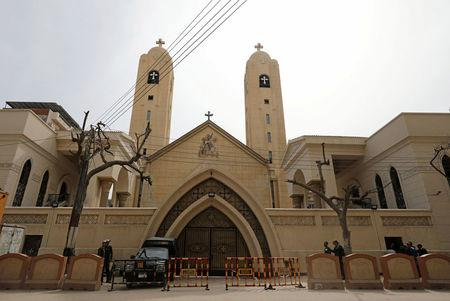 Security forces stand outside the Coptic church that was bombed on Sunday in Tanta, Egypt, April 10, 2017. REUTERS/Mohamed Abd El Ghany