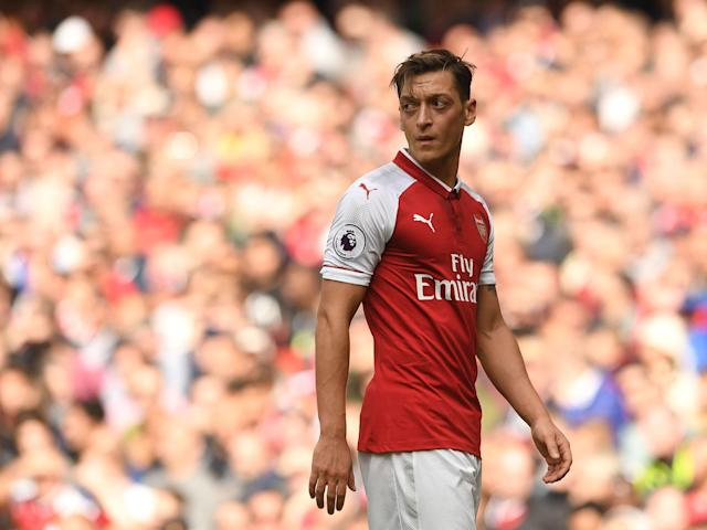 Manchester United to make a move for Mesut Ozil this January as Arsenal contract talks continue to stall