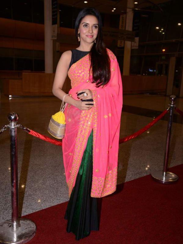 <p><strong>Asin</strong>: The B-town actress stood out in a bright pink Masaba sari. Her hair and make up were perfect too.</p>