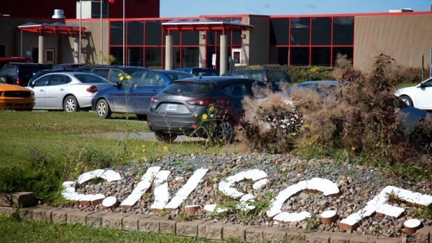 The Central Nova Scotia Correctional Facility was built in 1999 under a public-private partnership. It is one of two buildings the province is buying. (Robert Short/CBC - image credit)