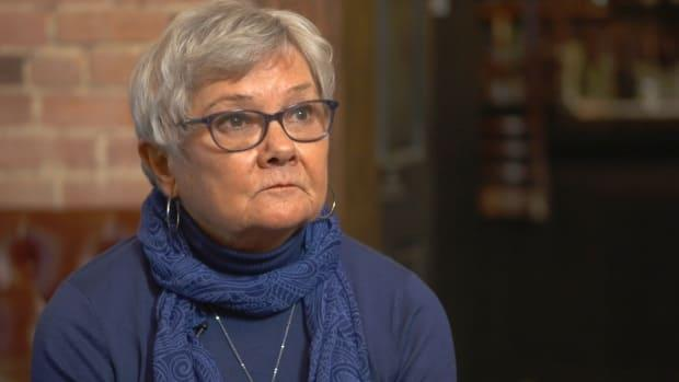 Janet Watson, who lost money in the Mount Real fraud, wants politicians to reopen an inquiry into Isle of Man shell companies after a Fifth Estate/Enquête investigation exposed links to the massive offshore fraud.