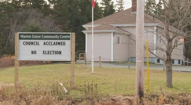 Federation of P.E.I. Municipalities president Bruce MacDougall said there are 59 municipal governments on the Island and many of them are very small. (Steve Bruce/CBC - image credit)