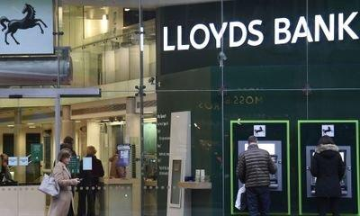 Lloyds sets 2020 non-white leadership target in FTSE 100 first