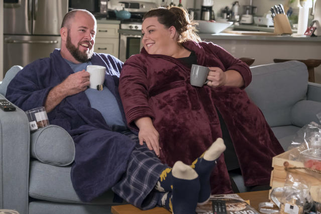 <p>Chris Sullivan as Toby and Chrissy Metz as Kate in NBC's <i>This Is Us</i>.<br> (Photo: Ron Batzdorff/NBC) </p>