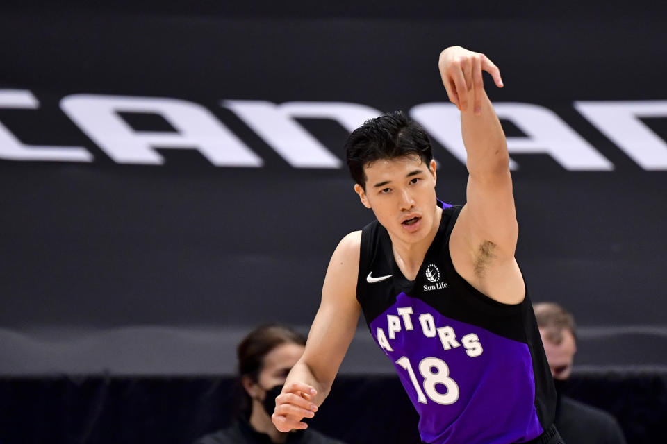 TAMPA, FLORIDA - APRIL 21: Yuta Watanabe #18 of the Toronto Raptors reacts during the fourth quarter against the Brooklyn Nets at Amalie Arena on April 21, 2021 in Tampa, Florida. NOTE TO USER: User expressly acknowledges and agrees that, by downloading and or using this photograph, User is consenting to the terms and conditions of the Getty Images License Agreement. (Photo by Douglas P. DeFelice/Getty Images)