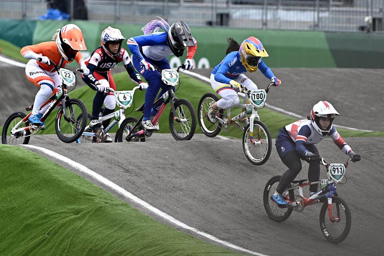 Britain's Bethany Shriever (R) competes in the cycling BMX racing women's final at the Ariake Urban Sports Park during the Tokyo 2020 Olympic Games in Tokyo on July 30, 2021. (Photo by Jeff PACHOUD / AFP) (Photo by JEFF PACHOUD/AFP via Getty Images)