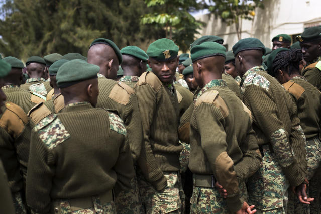 <p>Kenyan soldiers assigned to polling stations get their instructions in Nairobi, Kenya, Monday, Aug. 7, 2017. (Photo: Jerome Delay/AP) </p>