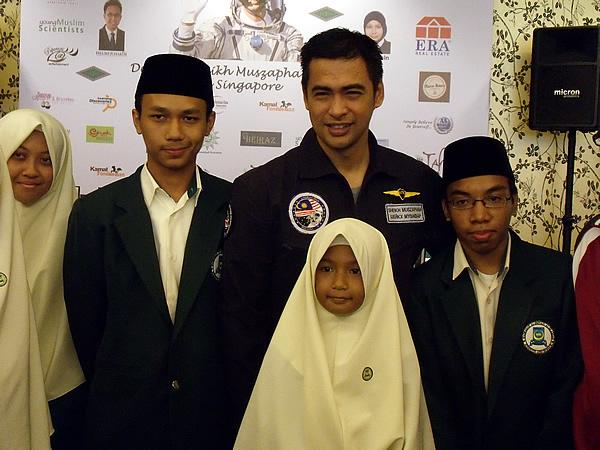 Muszaphar wants to change the mindsets of youths in Southeast Asia. (Yahoo! photo/Fann Sim)