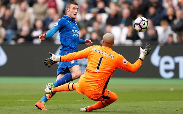 Jamie Vardy scores Leicester's third goal - Action Images