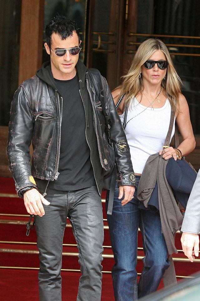 "Jennifer Aniston and her Justin Theroux have been making headlines from the moment they got together last year, but the couple made even bigger news this summer when they announced they'll soon be tying the knot! To celebrate  Theroux's 41st birthday on August 10 they flew by private plane from North Carolina (where Aniston, 43, is shooting her upcoming flick ""We're the Millers"") to New York City for  a romantic weekend, where Theroux turned the tables by giving Aniston a pretty big gift ... an engagement ring, when the two were at dinner at the swanky Blue Hill restaurant. (6/14/2012)"
