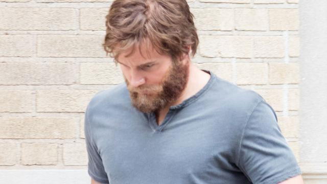 <p>We can't slam Chris Pratt too hard for this one. The beard is fake and the moment was captured while he was filming on set for an upcoming movie. His beard is normally on point. (Photo: AKM/GSI)</p>
