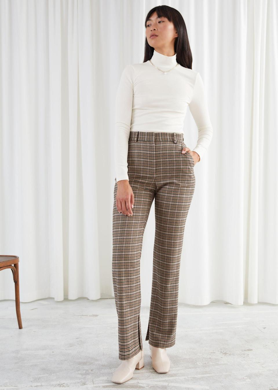 "<br><br><strong>& Other Stories</strong> Flared High Waist Trousers, $, available at <a href=""https://go.skimresources.com/?id=30283X879131&url=https%3A%2F%2Fwww.stories.com%2Fen_usd%2Fclothing%2Ftrousers%2Fproduct.flared-high-waist-trousers-beige.0904331001.html"" rel=""nofollow noopener"" target=""_blank"" data-ylk=""slk:& Other Stories"" class=""link rapid-noclick-resp"">& Other Stories</a>"
