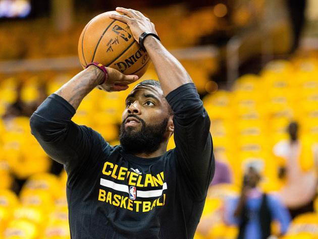 "<a class=""link rapid-noclick-resp"" href=""/nba/players/4840/"" data-ylk=""slk:Kyrie Irving"">Kyrie Irving</a> lines one up. (Getty Images)"