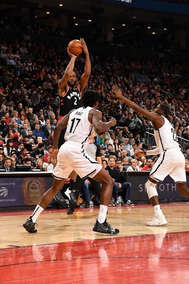 TORONTO, CANADA - FEBRUARY 11: Kawhi Leonard #2 of the Toronto Raptors shoots the ball against the Brooklyn Nets on February 11, 2019 at the Scotiabank Arena in Toronto, Ontario, Canada. (Photo by Ron Turenne/NBAE via Getty Images)