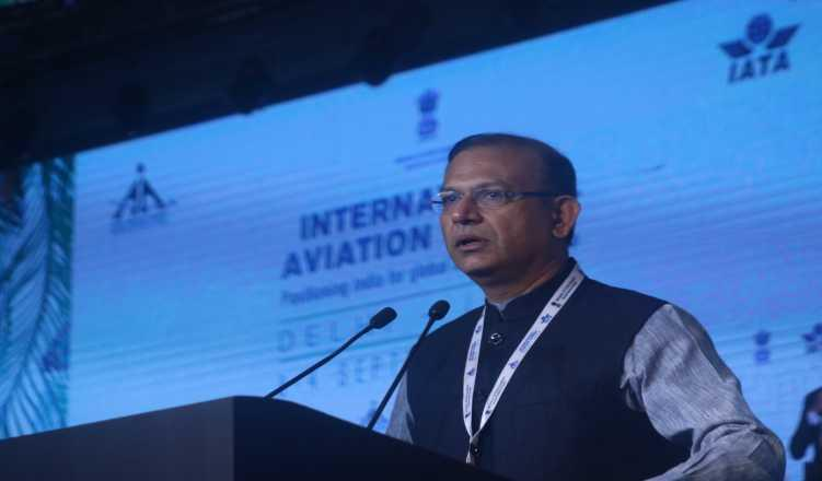 FIR against Union min Jayant Sinha for violation of model code of conduct