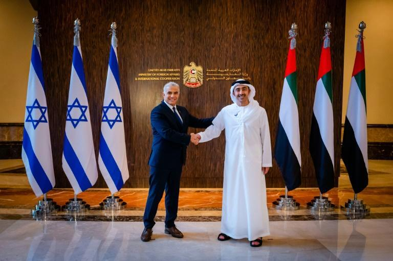 Israel's foreign minister Yair Lapid (L) visited Abu Dhabi in June to open the Jewish state's first embassy in the Gulf (AFP/-)