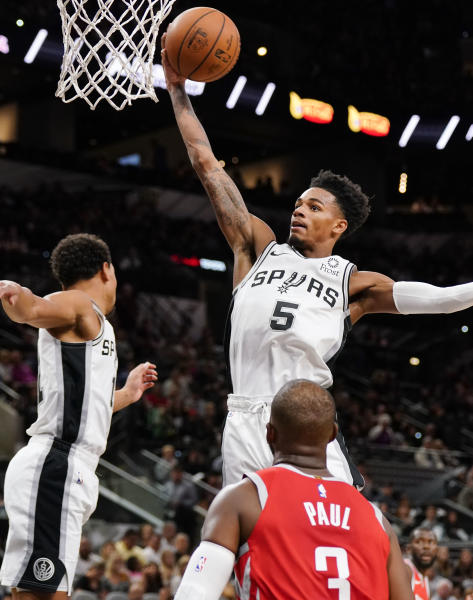 Dejounte Murray Exits Game, Will Undergo MRI Monday