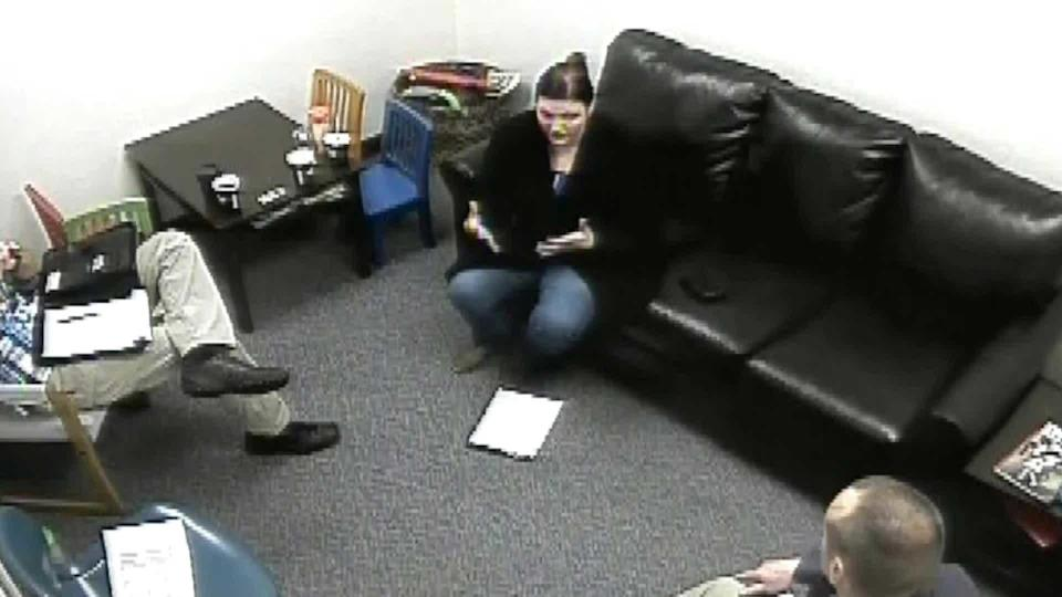 Michelle Chavez during questioning by detectives. / Credit: Benton County Sheriff's Office
