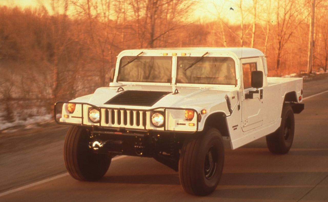 <p>Military versions all used an underpowered 6.2-liter V-8, as did early civilian H1s. In 1996, H1s received stronger engines—either a 5.7-liter V-8, a normally aspirated 6.5-liter diesel, or a 6.5-liter turbo-diesel with 195 hp and 430 lb-ft of torque.</p>