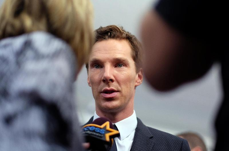 British actor Benedict Cumberbatch speaks to the media as he arrives for the US premiere of 'The Imitation Game' in New York on November 17, 2014 (AFP Photo/Jewel Samad)