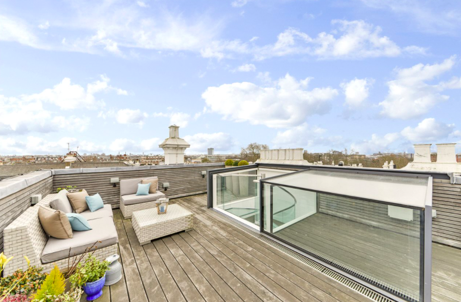 London views from the Kensington roof terrace. Photo: John D. Wood