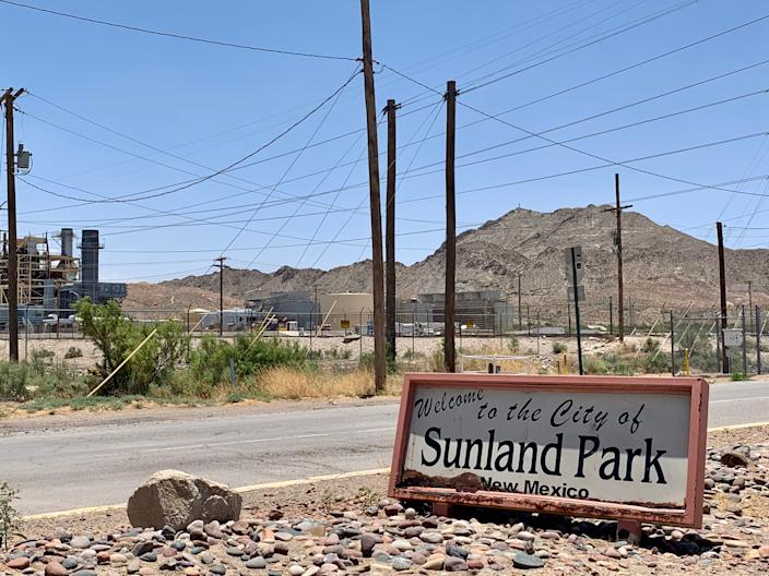 Sunland Park, N.M., first incorporated in 1983, is nestled between the busy international port cities of El Paso, Texas, and Ciudad Juárez, Mexico. (Photo: Caitlin Dickson/Yahoo News)
